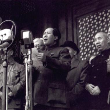 迫り来る共産化